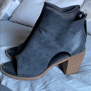 Size 11 open toe heel.